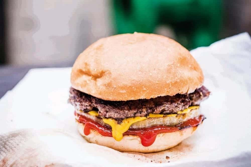 How To Make The Perfect… 'Backyard Burger'