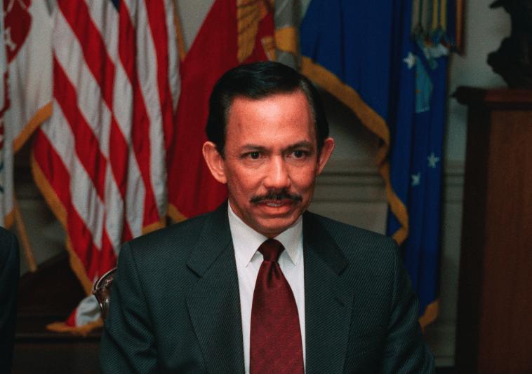 Sultan of Brunei (C) US Pentagon