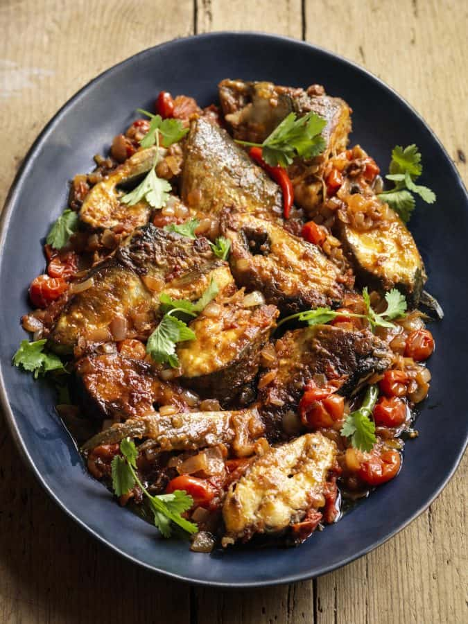 Mandalay MiMi Aye fried fish curry | Photo: Cristian Barnett
