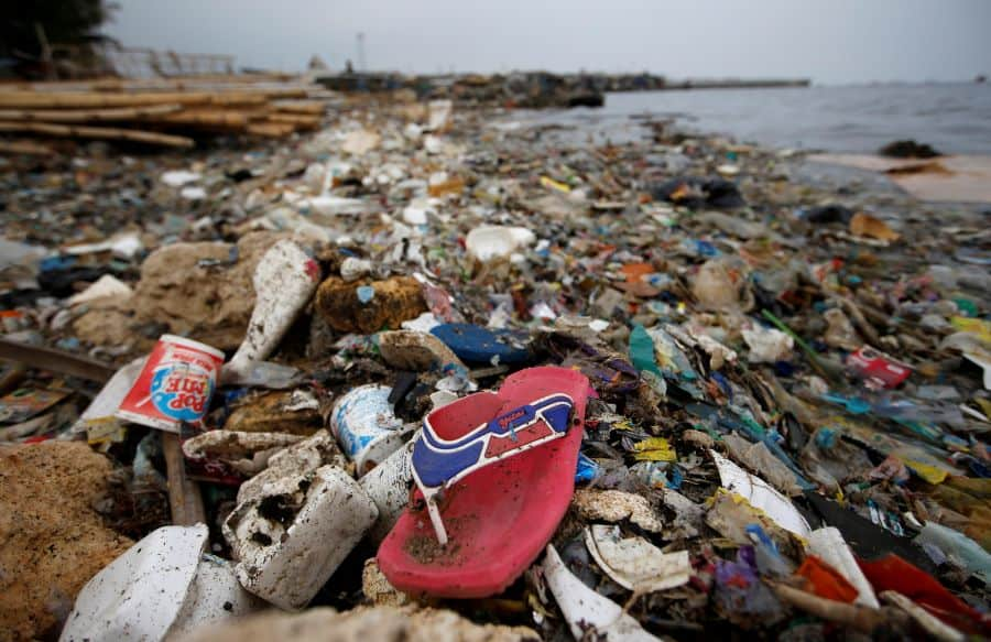 Plastic and styrofoam garbage litters the shoreline in Cilincing in Jakarta, Indonesia, Indonesia, November 26, 2018. REUTERS/Willy Kurniawan