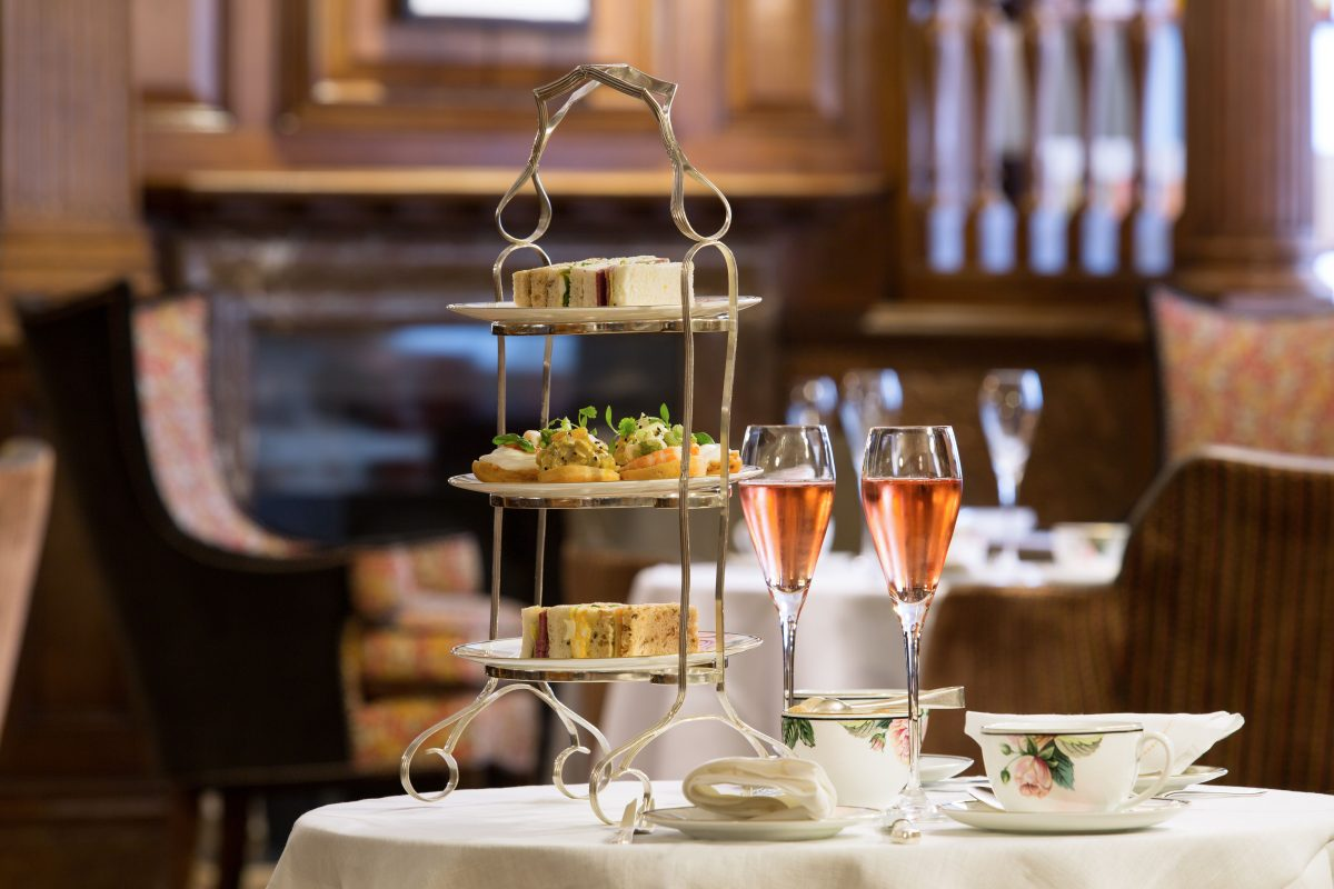 Afternoon Tea at Brown's Hotel   Photo: Janos Grapow