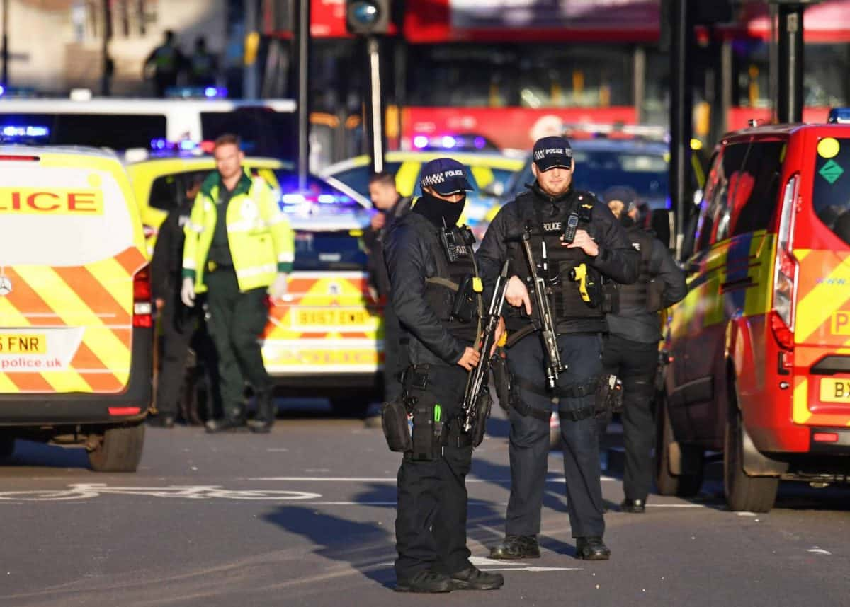 Police arrive at the London Bridge attack