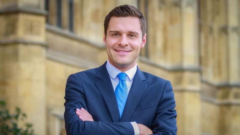 Ross Thomson