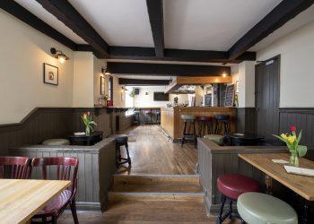 North London pubs Compton Arms | Photo: © Vicki Couchman Photographer 07957226911 vickicouchman.com