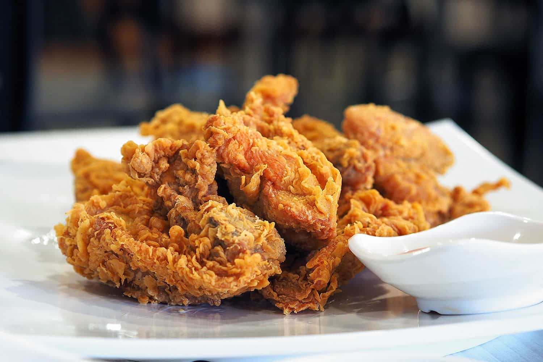 KFC Buttermilk Fried chicken recipe | Photo: insatiablemunch, CC BY 2.0, via Wikimedia Commons