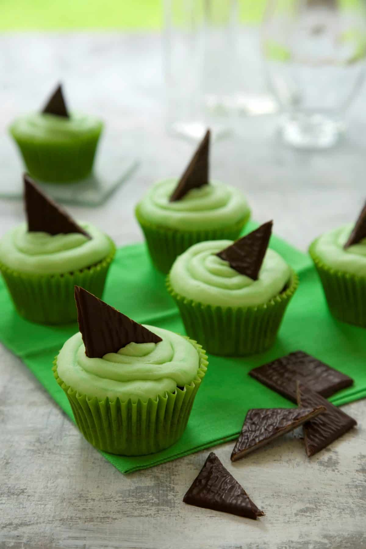 Alzheimer's Society Cupcake Day After Eight Cupcakes | Photo: Joy Skipper