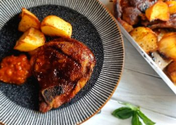 Country-Style Caramelised Pork Chops