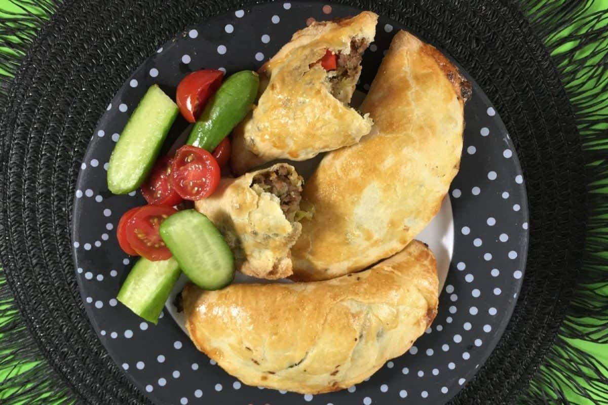 Healthier Baked Empanada with Ground Beef