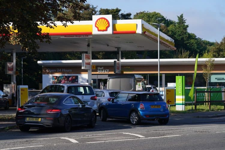 Queues at a Shell garage in Taplow, near Maidenhead, Berkshire (Jonathan Brady/PA)