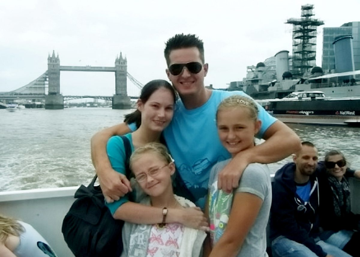 Joanne Chesney, Pete, Lucy and Jodie on a Thames River Cruise in August 2009. Credit;SWNS